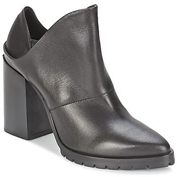 Cipők Női Bokacsizmák Strategia TAKLO Fekete