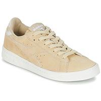 Cipők Női Rövid szárú edzőcipők Diadora GAME LOW SUEDE Bézs