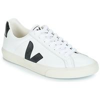 Cipők Rövid szárú edzőcipők Veja ESPLAR LOW LOGO Fehér / Fekete