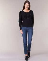 Ruhák Női Slim farmerek Armani jeans GAMIGO Kék