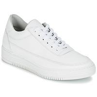 Cipők Női Rövid szárú edzőcipők Bullboxer VEZIMETINE Fehér