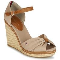 Cipők Női Szandálok / Saruk Tommy Hilfiger ICONIC ELENA SANDAL Bézs