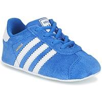 Cipők Gyerek Rövid szárú edzőcipők adidas Originals GAZELLE CRIB Kék