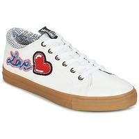 Cipők Női Rövid szárú edzőcipők Love Moschino JA15213G15 Fehér