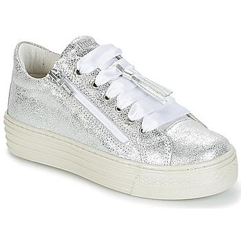 Cipők Lány Rövid szárú edzőcipők Primigi RAPATITE Ezüst
