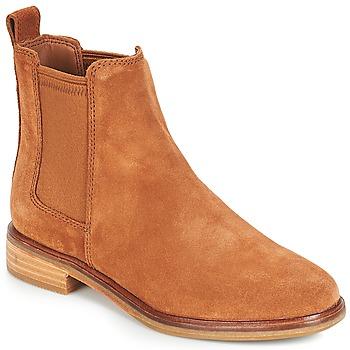 Cipők Női Csizmák Clarks CLARKDALE Teve