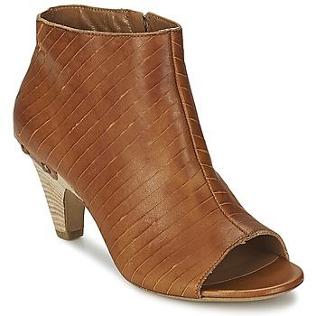 Cipők Női Bokacsizmák Vic GONCO Barna