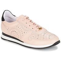 Cipők Női Rövid szárú edzőcipők André OPALINE Bézs