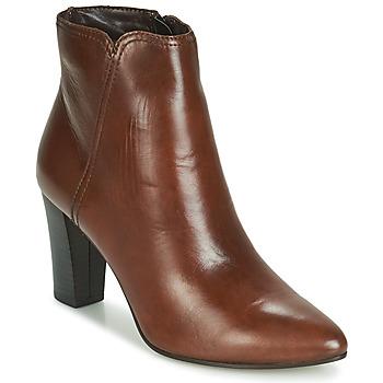 Cipők Női Csizmák André FAST Barna