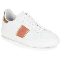 Cipők Női Rövid szárú edzőcipők André FRISBEE Fehér
