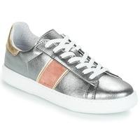 Cipők Női Rövid szárú edzőcipők André FRISBEE Ezüst