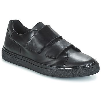 Cipők Férfi Rövid szárú edzőcipők André STREAM Fekete