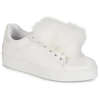 Cipők Női Rövid szárú edzőcipők André POMPON Fehér