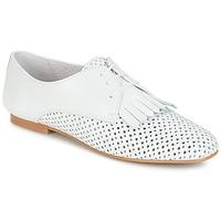 Cipők Női Oxford cipők André DELICAT Fehér