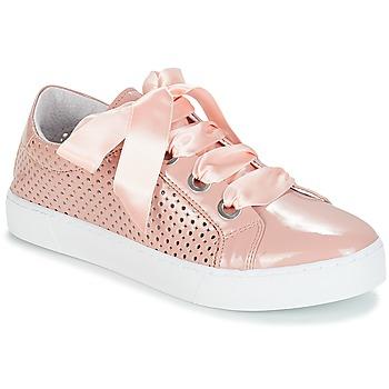 Cipők Női Rövid szárú edzőcipők André BEST Bőrszínű
