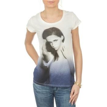 Ruhák Női Rövid ujjú pólók Lee T-shirt  Photo Tee Cloud Dancer L40IAUHA biały, niebieski, szary